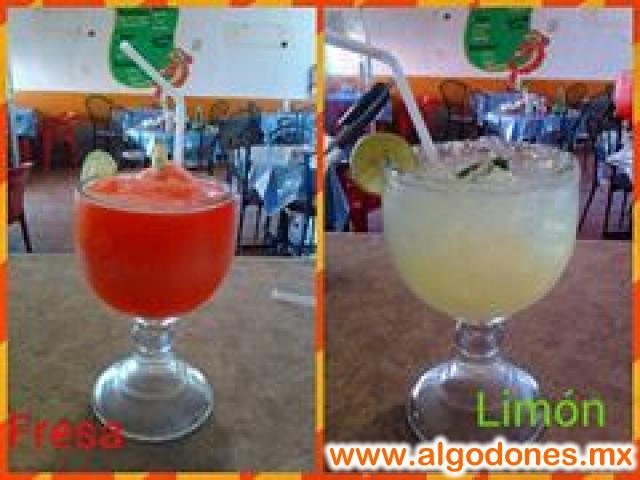 margaritas en MARISCOS EL PAISA limon y fresa lemon or strowberry  margaritas